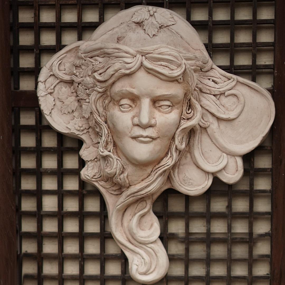 Artisan Marketplace Merchant Vendor: Looking Glass Studio Hydrostone Sculpture, Mirrors & Plaques