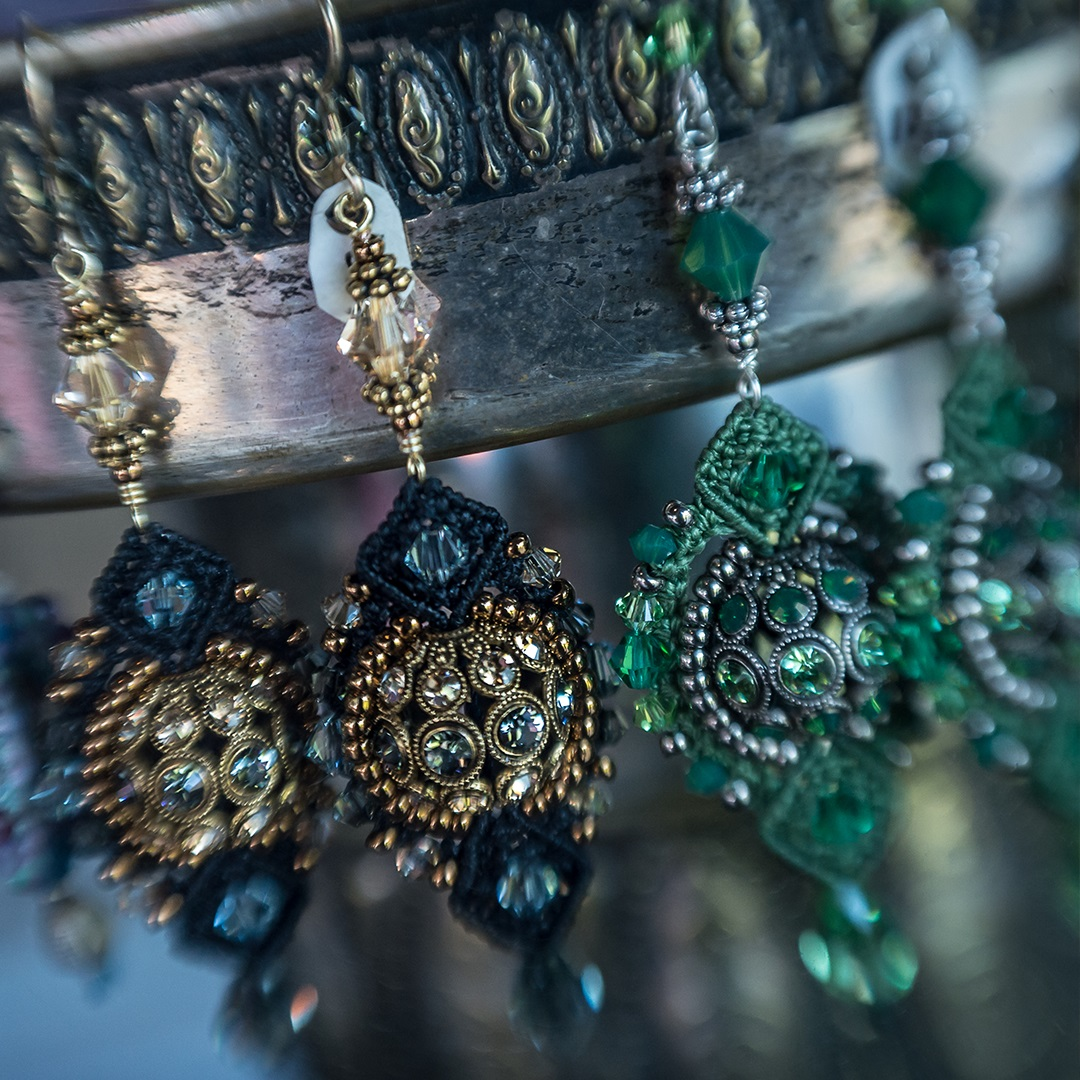 Artisan Marketplace Merchant Vendor: Rozelisa's Beaded Jewelry
