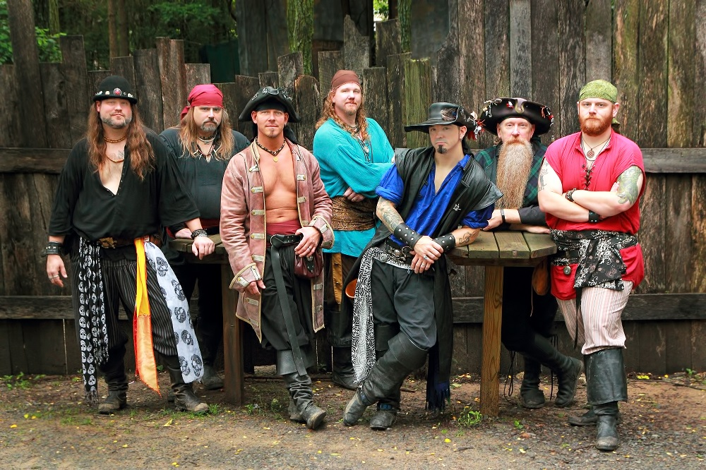 Entertainment: Musical Blades pirate band